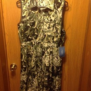 VERA WANG SLEEVELESS GREEN PAISLEY COLLARED DRESS